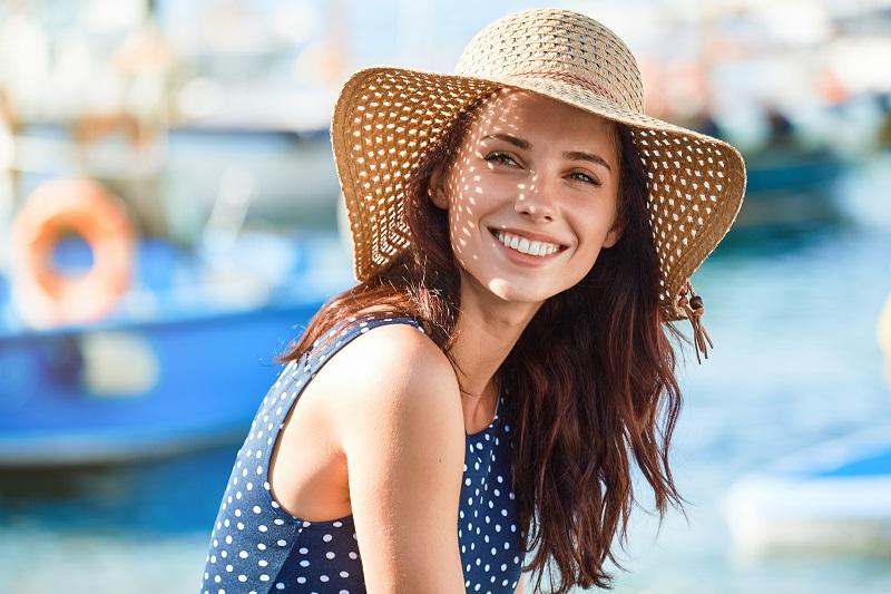 Promienna skóra latem – jak przyjemnie zadbać o twarz?