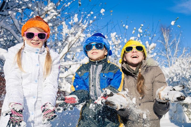 Kurtka zimowa dla dzieci – jaką wybrać? Praktyczny poradnik