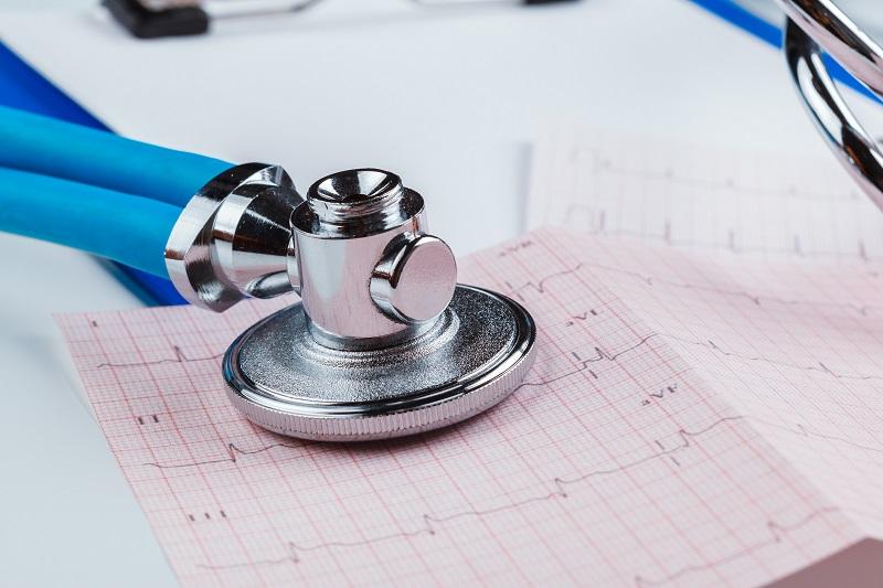 Holter EKG – małe urządzenie, które ratuje życie