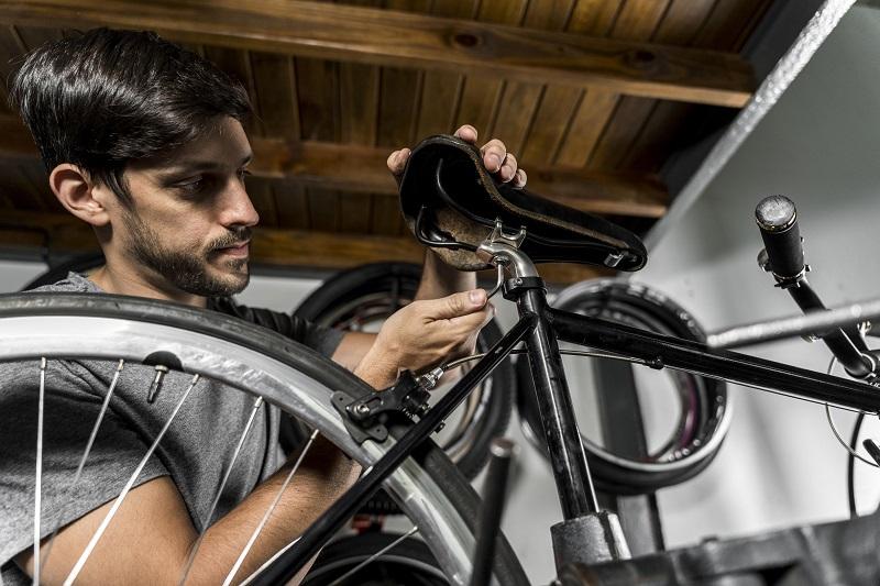 Serwisowanie roweru – jaki smar do łańcucha kupić?